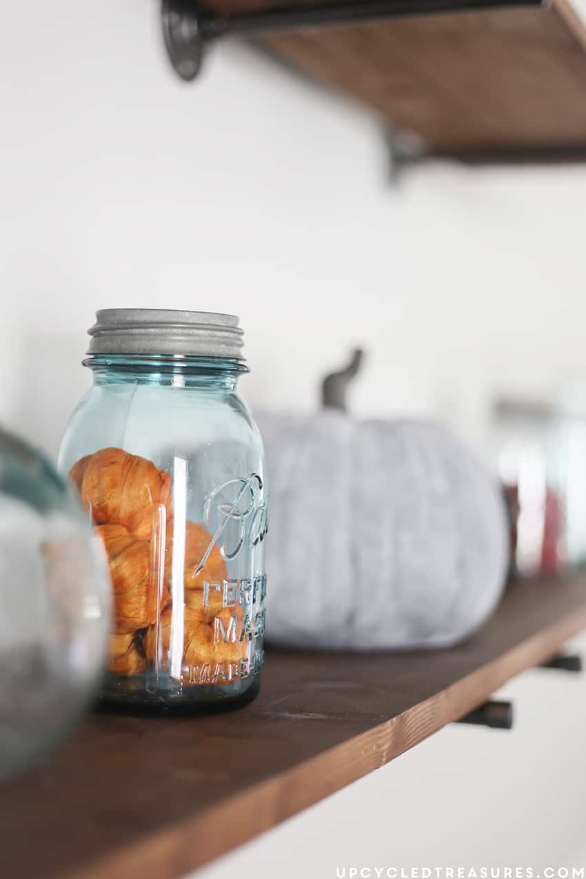 rustic-modern-fall-dining-room-mason-jar-decor-upcycledtreasures