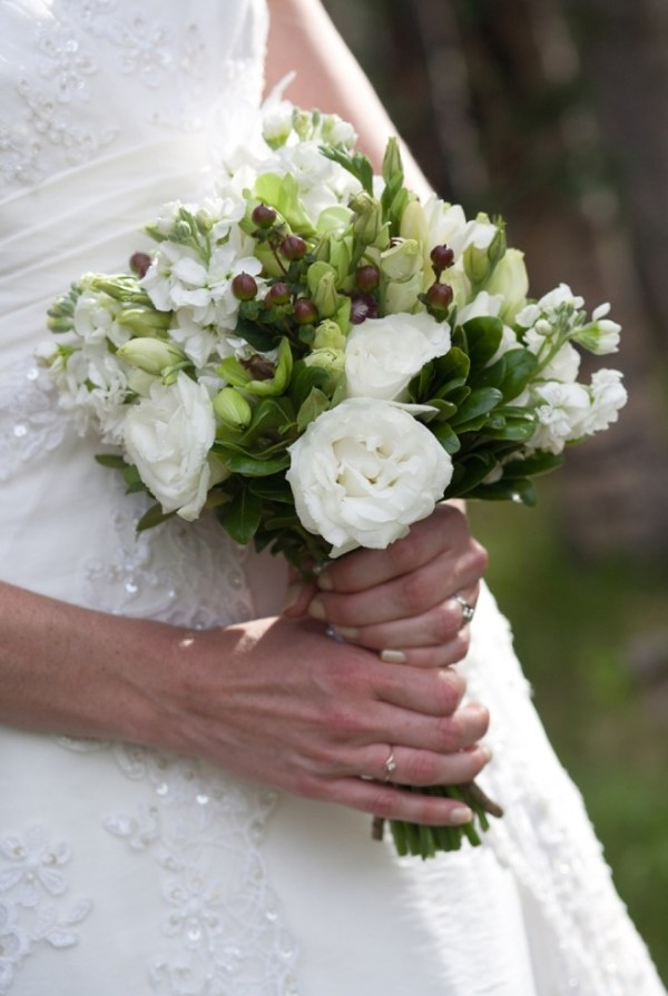 Pretty white and green bouquet