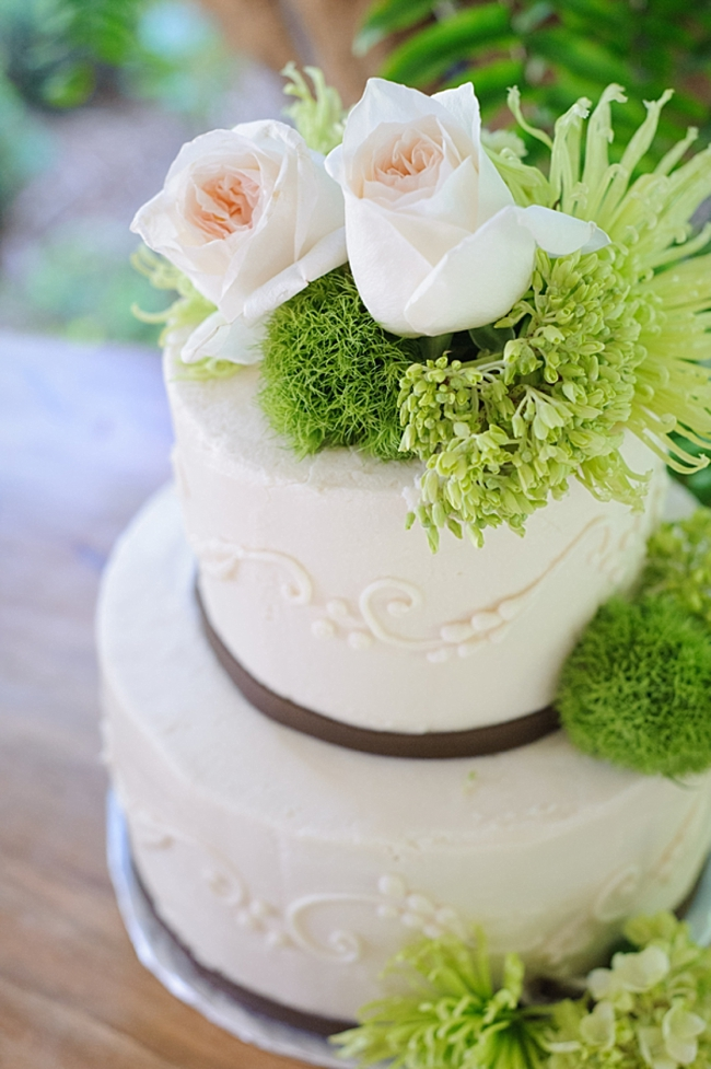 11-rustic-elegant-wedding-cake-hawkesdene-mountain-wedding-Torrence-Photography
