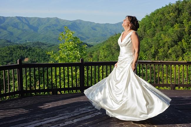 12-bride-twirl-hawkesdene-mountain-wedding-Torrence-Photography