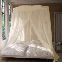 Moustiquaires pour lits disponibles en pur coton et polyester