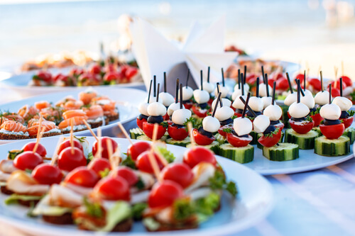 Weight Loss During The Holidays With Tips From Moveguard - Canapés Pour Apéritif De Noel