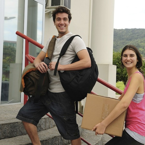 College students moving in to the university campus
