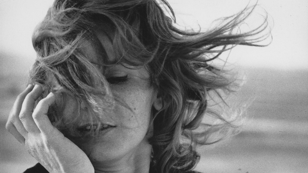 The Freedom of Movement in Chris Marker's La Jetée