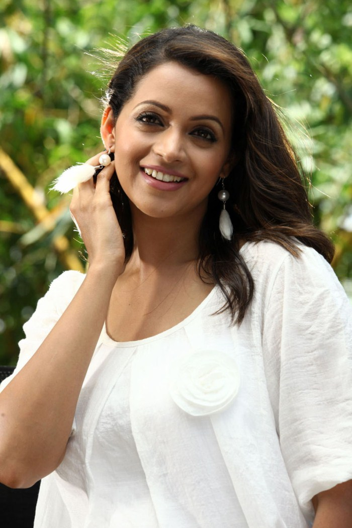 Vijay Cute Wallpapers Picture 283215 Actress Bhavana Cute Pictures New Movie