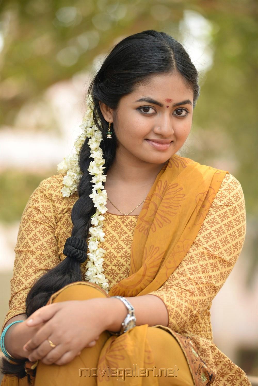 Prabhakaran Hd Wallpapers Picture 1046865 Heroine Shaalin Zoya In Raja Manthiri