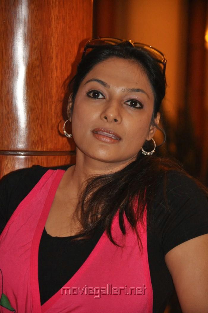Prabhakaran Hd Wallpapers Picture 227554 Tamil Actress Rethika Srinivas Pics New