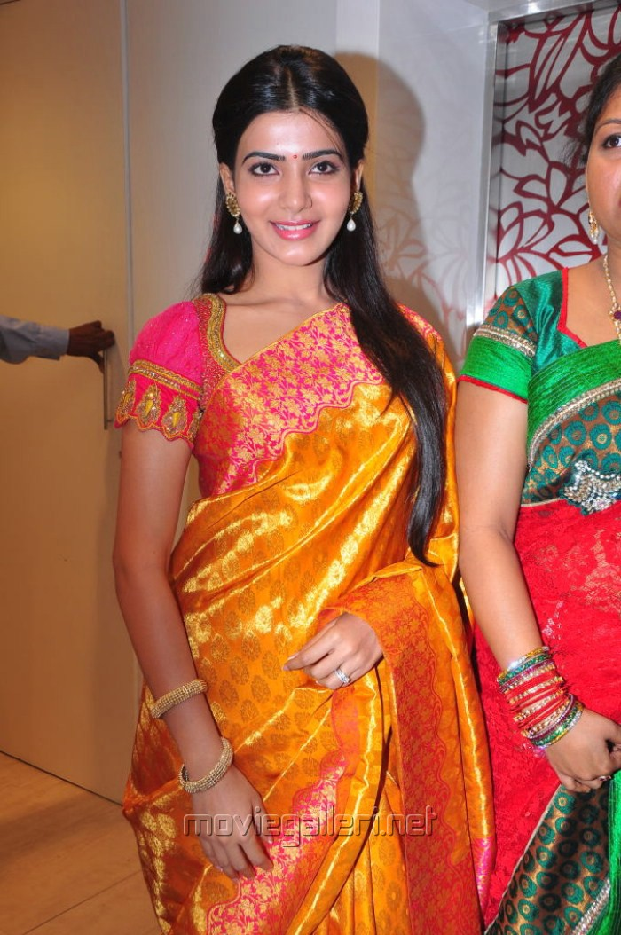 Cute Genelia D Souza Wallpapers Picture 162998 Samantha Cute Silk Saree Stills New