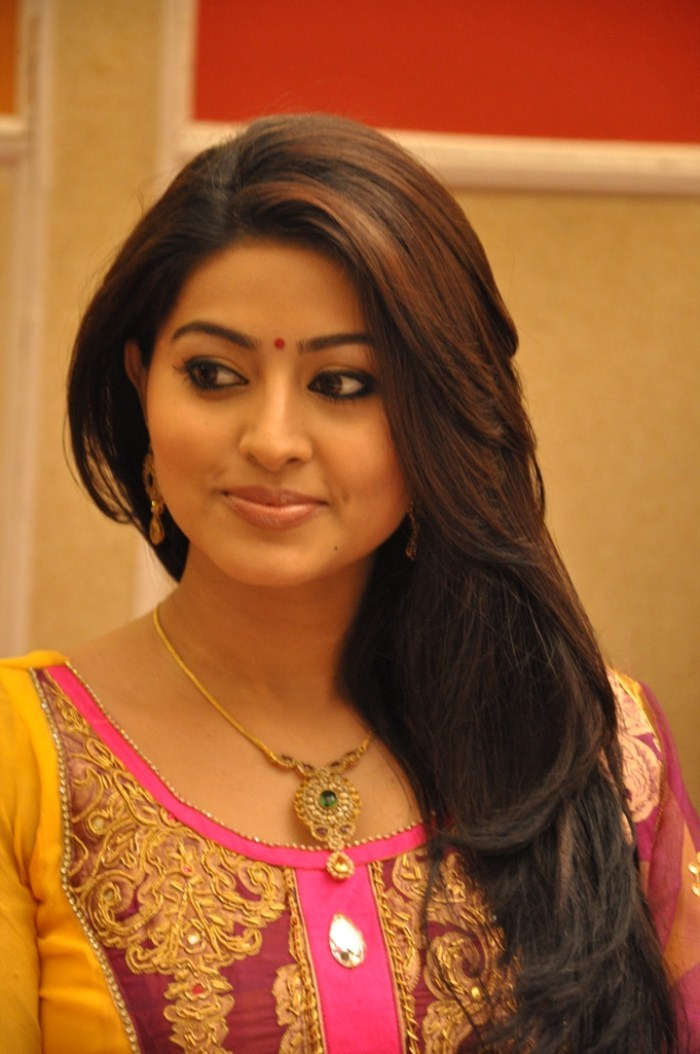 Cute Lockets Wallpaper Picture 15638 Actress Sneha Latest Cute Smile Images