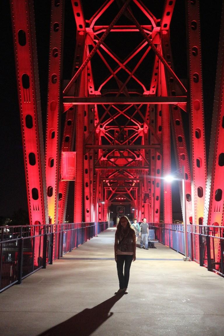 Big Dam Bridge   Moving Peaces