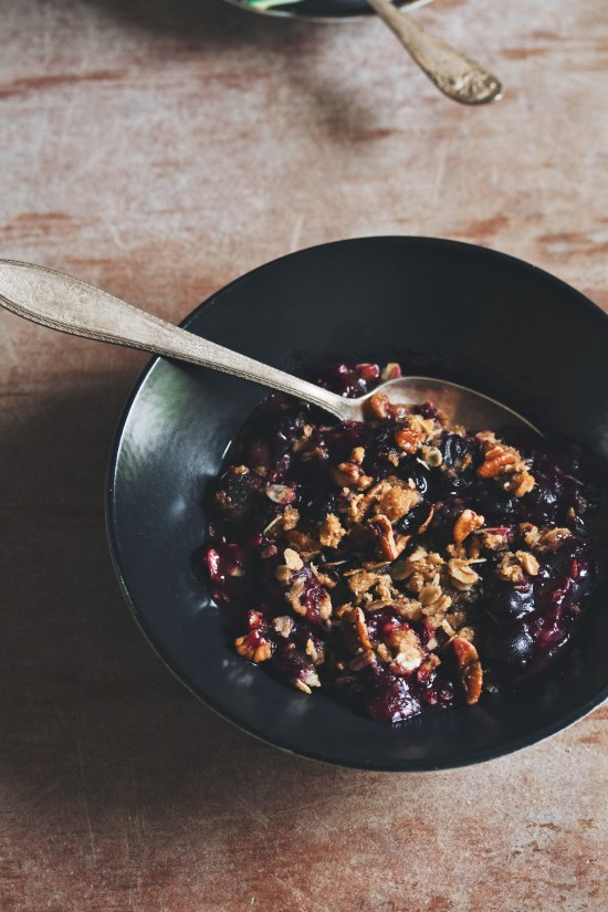 blueberry crumble   movita beaucoup