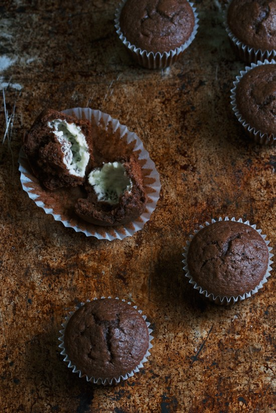 chocolate cheesecake muffins | movita beaucoup