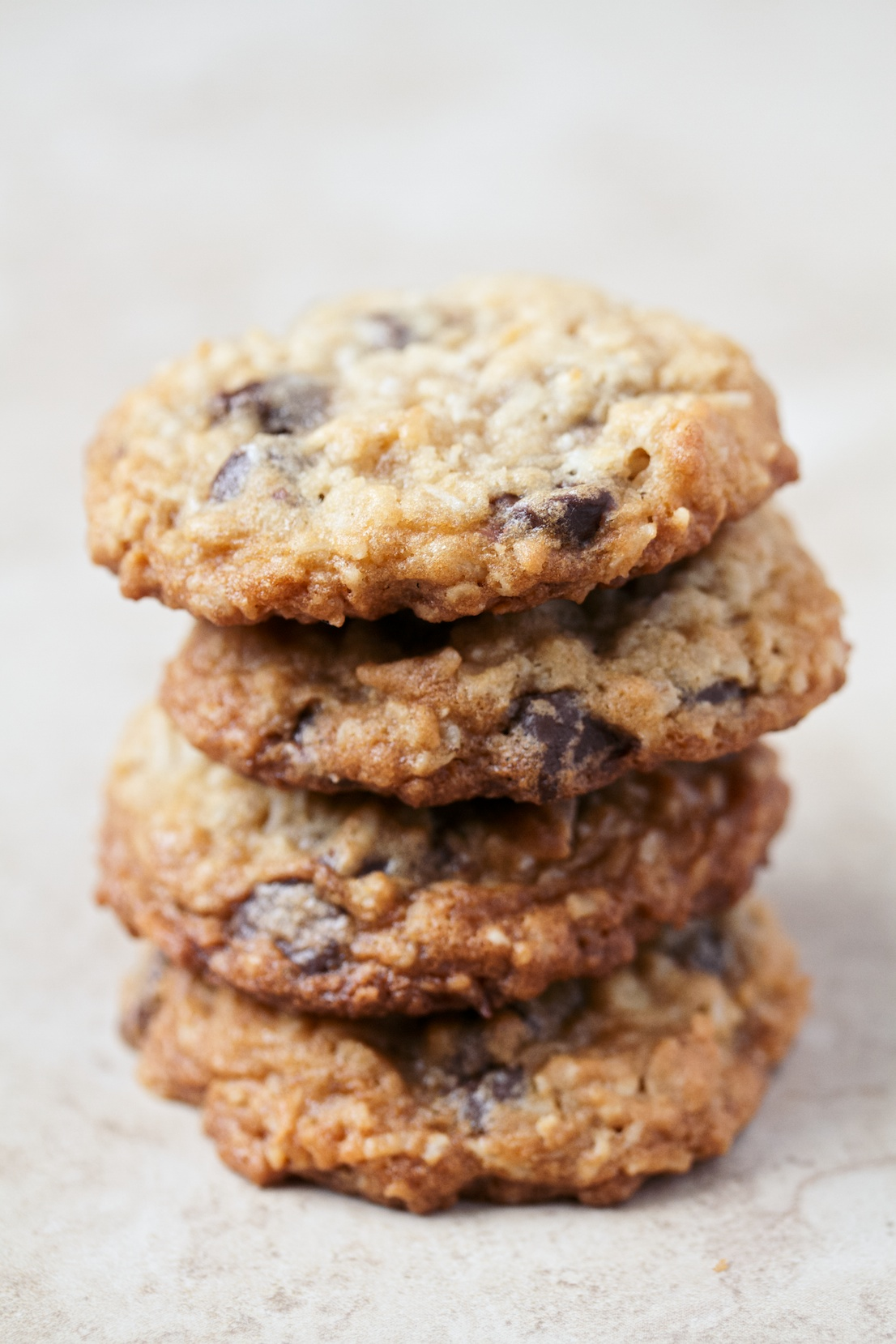 oatmeal coconut chocolate chip cookies | movita beaucoup