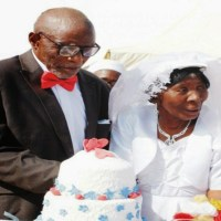 107yrs-Old Man Gets Married to 95yrs-Old Woman In Plateau State : Photos