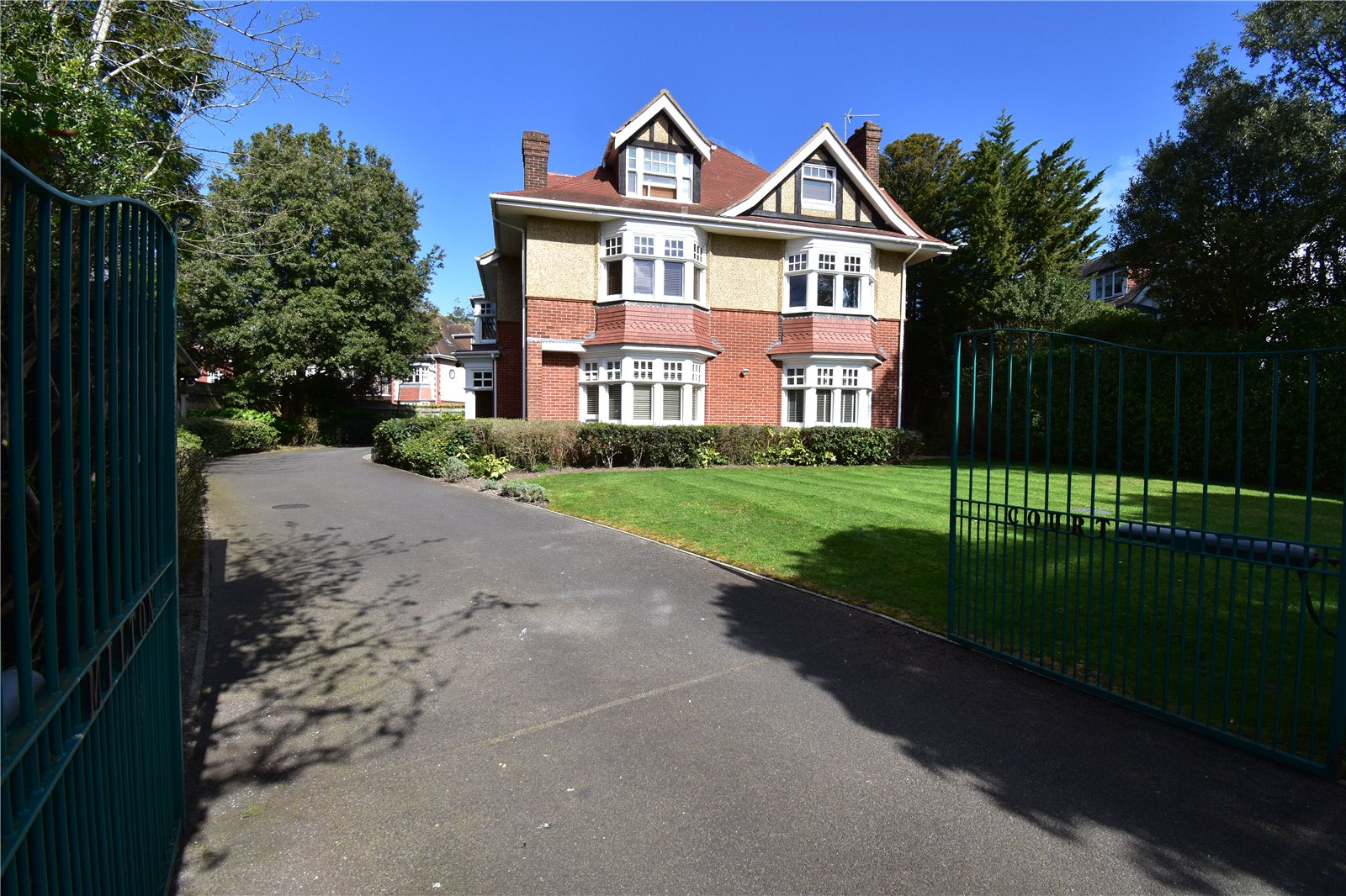 2 Bed Flat Bournemouth 2 Bedroom Property For Sale In Milton Road Charminster