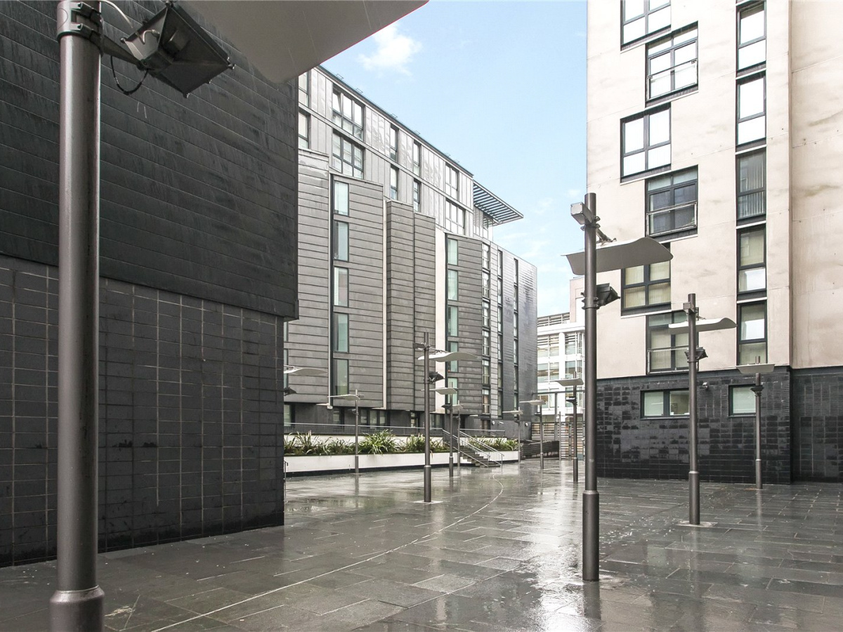1 Bed Flat Glasgow 1 Bedroom Apartment For Sale In Oswald Street Glasgow City Centre