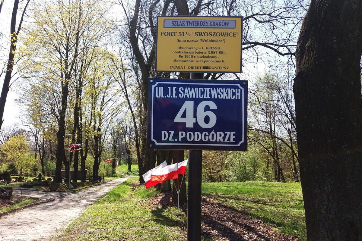 """Wiosna w forcie Swoszowice. Fort 51 1/2 """"Swoszowice"""" to część szlaku Twierdzy Kraków"""
