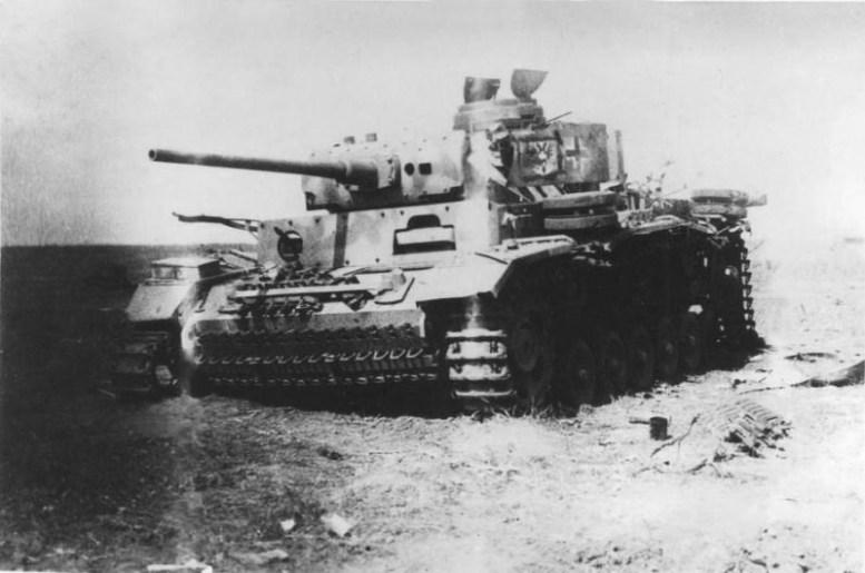 Фотография подбитого немецкого танка битва, война, курская