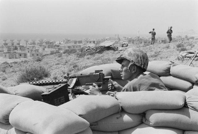 Файл:Foxhole - Lebanon - Beirut - July 1958.jpg