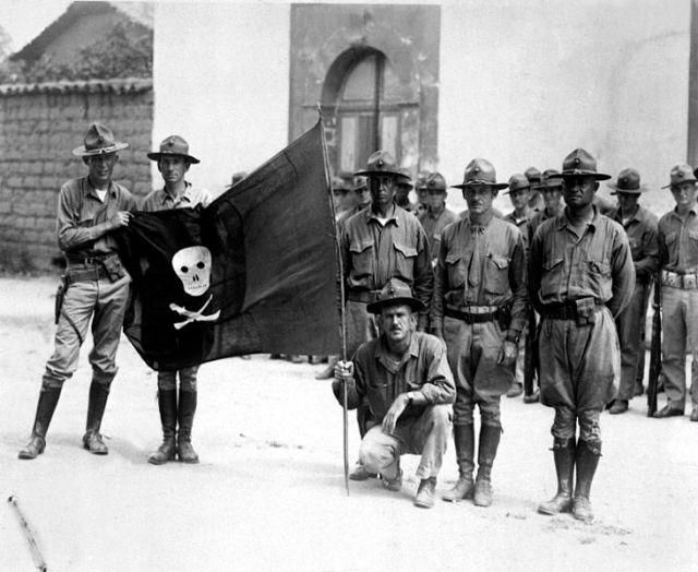 Файл:Sandino's Flag. Nicaragua, 1932. (Marine Corps)-EXACT DATE SHOT UNKNOWN-NARA FILE -- 127-N-516038-WAR and CONFLICT BOOK -- 376 HD-SN-99-02035.jpg