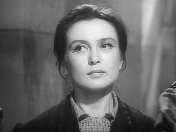 Изольда Извицкая в фильме *Вызываем огонь на себя*, 1964 | Фото: kino-teatr.ru