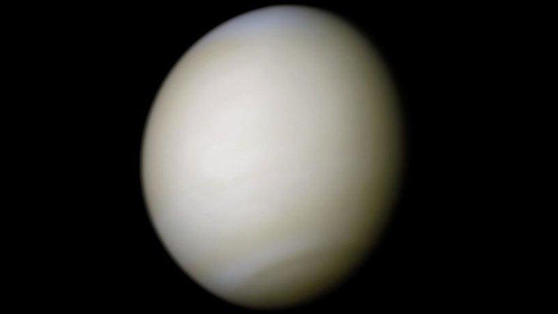Ученые заявили о возможности существования жизни в облачном покрове Венеры
