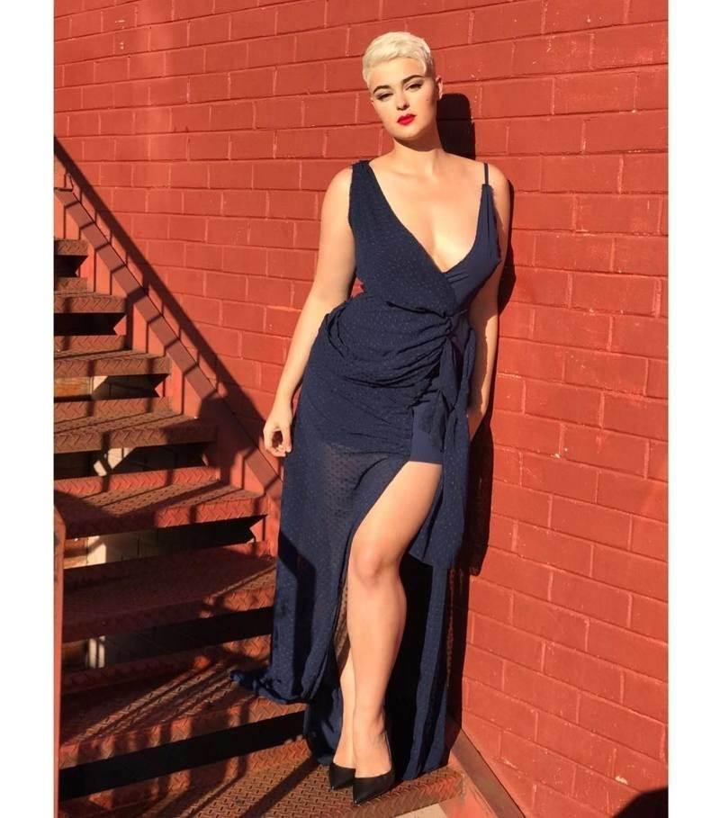Кому теперь нужны ваши 90-60-90: Стефания Феррарио крушит стереотипы о модельной внешности (23 фото)