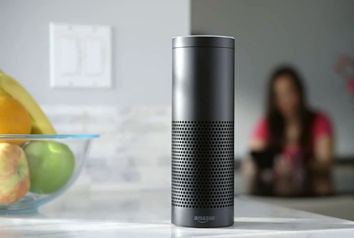 «Умная» колонка Amazon Echo Dot.