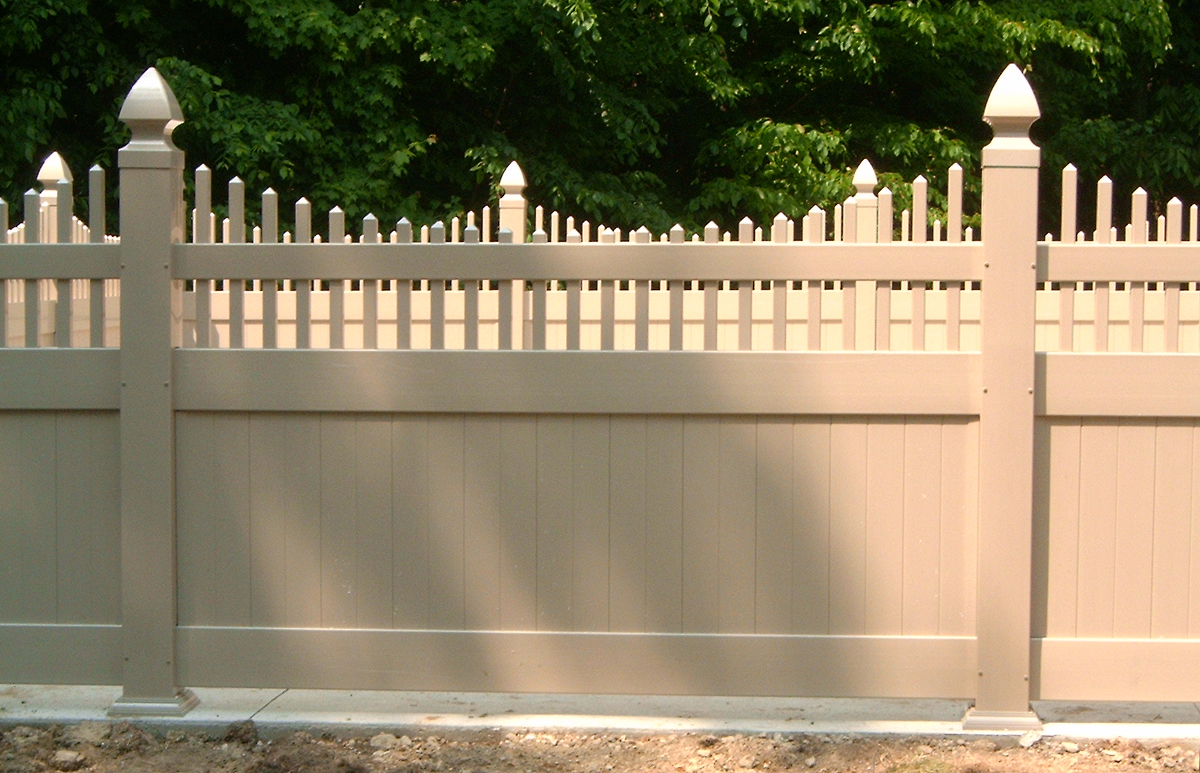 Outdoor Supplier Manufacturer Scalloped Picket Top Solid Privacy Fence Mt Hope Fence