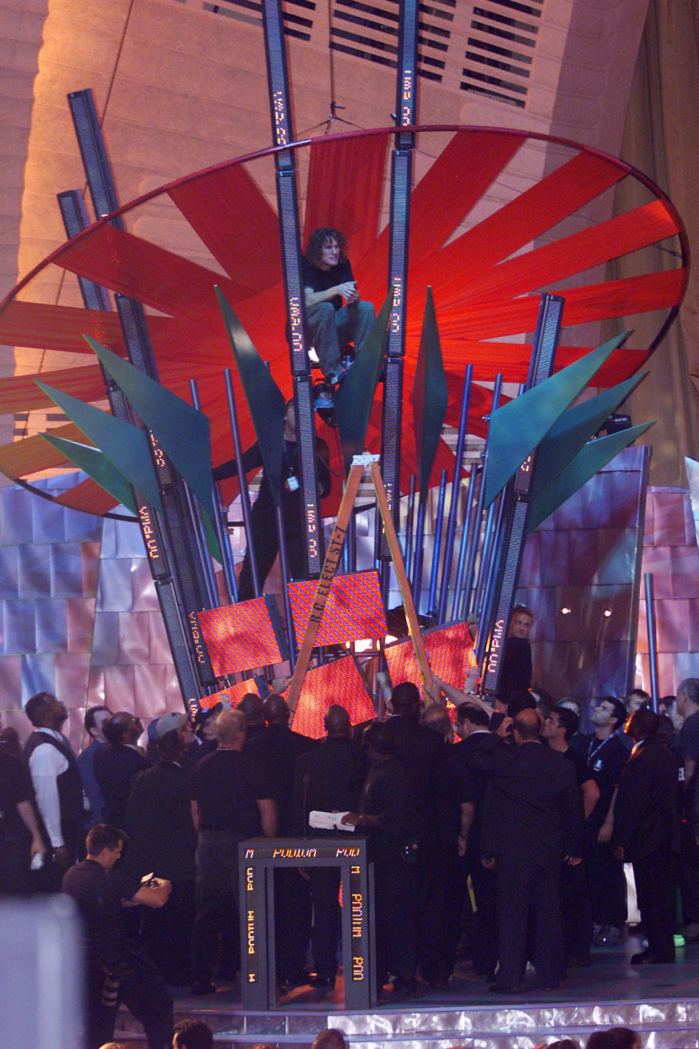 15 Photos That Prove The 2000 Vmas Were Trippy As Hell Mtv