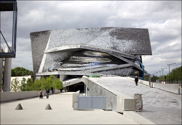 Philharmonie, approach from the tramway; pic: Steve Sampson