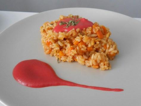 Arroz con salsa de remolacha y jengibre