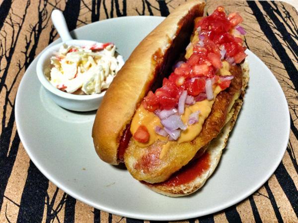 Hot Dog con guacamole rojo