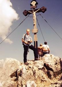 Wenn der Berg ruft... Prof. Hermanni auf dem Gipfel Berg Breitenstein
