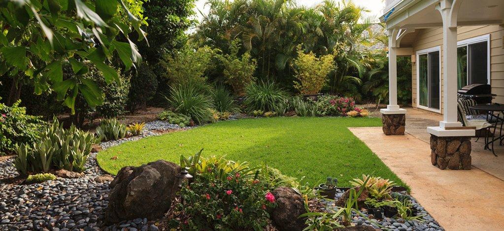 Oahu Landscape Home Lawn