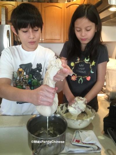Miss Panda Chinese making soy milk