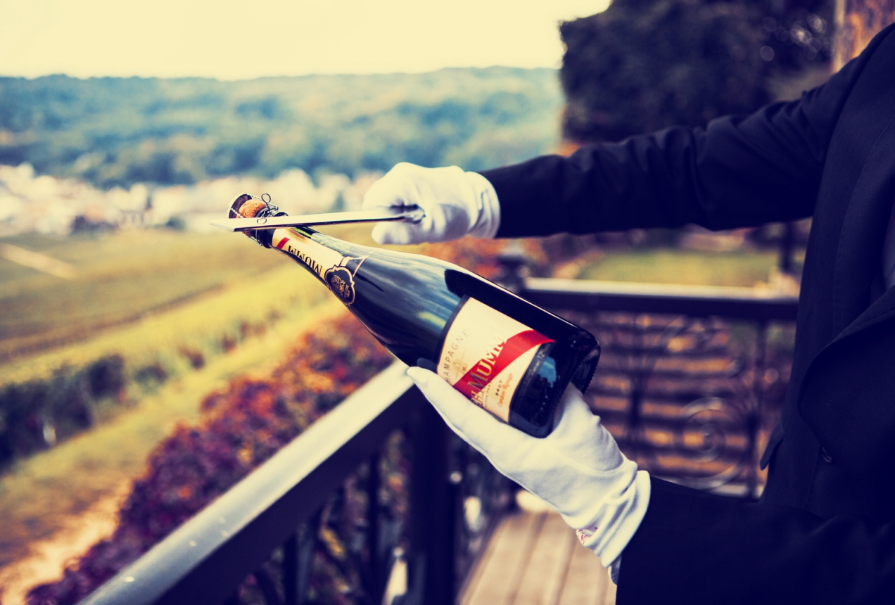 Champagne Wallpaper How To Sabre A Bottle Of Champagne? | Mumm International