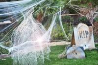 Boo! 15 Halloween front lawn ideas | Mum's Grapevine