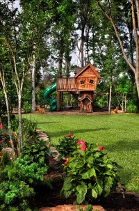 10 Fun Playgrounds and Treehouses For Your Backyard ...