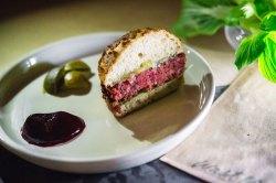 Creative New Biggest Food Waste Chef Is Bringing Pulp Burgers To Gordon Ramsay Burger Recipe Masterchef Gordon Ramsay Burger Recipe Good Morning America