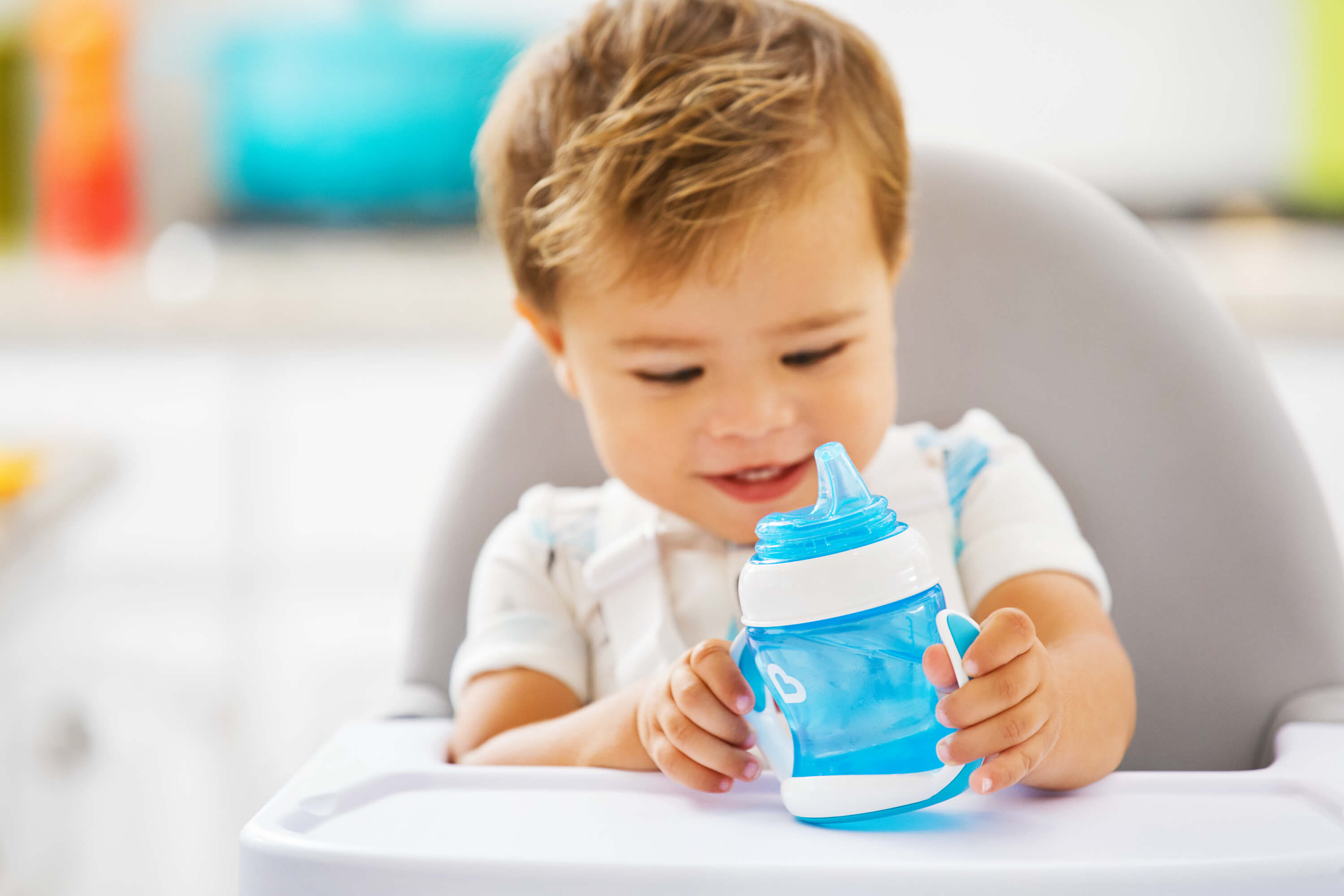 Baby Only Likes Ready Made Formula How To Find The Best Sippy Cup For Any Age Munchkin