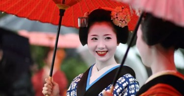Geishas em Kyoto (Foto: Flickr/Michael-Chandler)