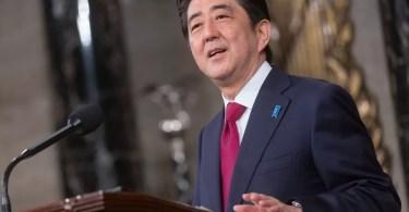 Shinzo Abe também pretende mudar alguns executivos do seu partido (Foto: Reprodução/YouTube/Kyodo)