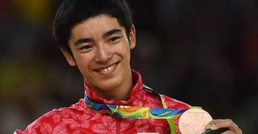 Kenzo Shirai fatura bronze no salto da ginástica artística (Foto: Laurence Griffiths)