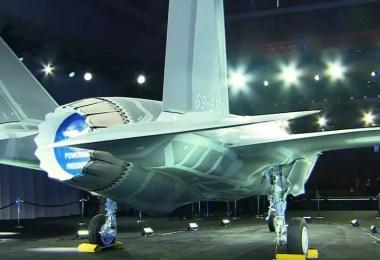 A aeronave F-35A encomendada pelo Japão foi apresentada na sexta (23) nos EUA (Foto: Reprodução/ANN News)