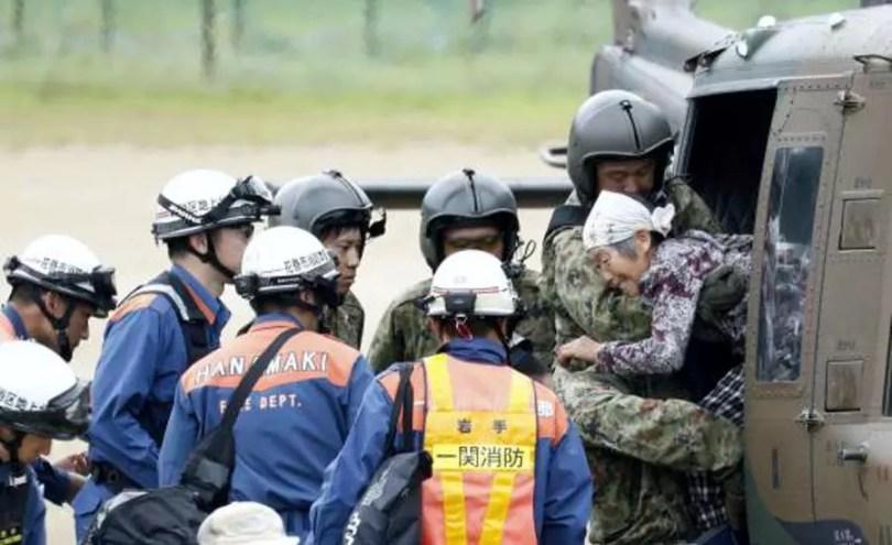 Mais de 9 mil pessoas foram evacuadas em Iwate (Foto: Kyodo)