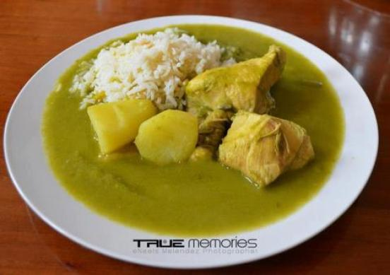 Pollo en Jocón - foto por True Memories Photography