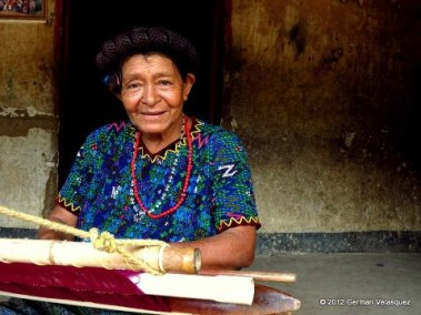 Rostros en Guatemala - Tejedora - Aldea Chixolop, San Miguel Chicaj, Baja Verapaz - German Velasquez