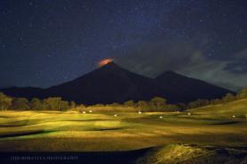 Volcan de Fuego desde La Reunion - foto por Luis Morataya Photography