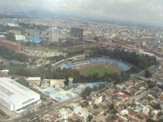 Estadio Mateo Flores - foto por Carlos Lemus